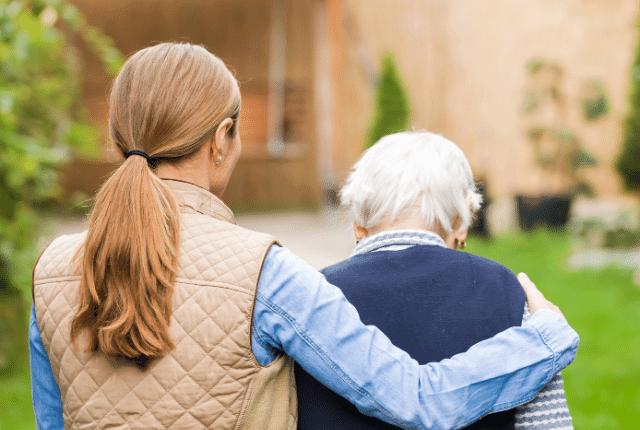 עוזרת אפוטרופסית לקשישה